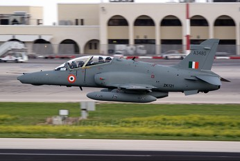 ZK121 - India - Air Force British Aerospace Hawk 132