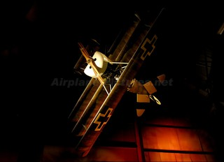 - - Germany - Imperial Air Force (WW1) Fokker DR1 Triplane