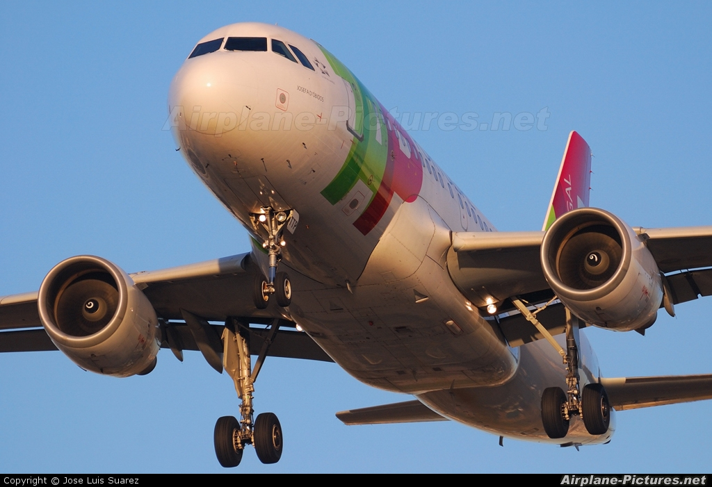 TAP Portugal CS-TTP aircraft at Barcelona - El Prat