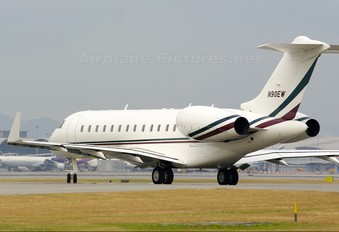 N90EW - Private Bombardier BD-700 Global Express