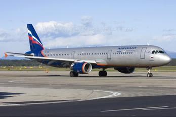 VP-BUM - Aeroflot Airbus A321