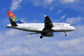 ZS-SFE - South African Airways Airbus A319