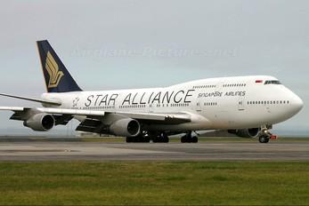 9V-SPR - Singapore Airlines Boeing 747-400