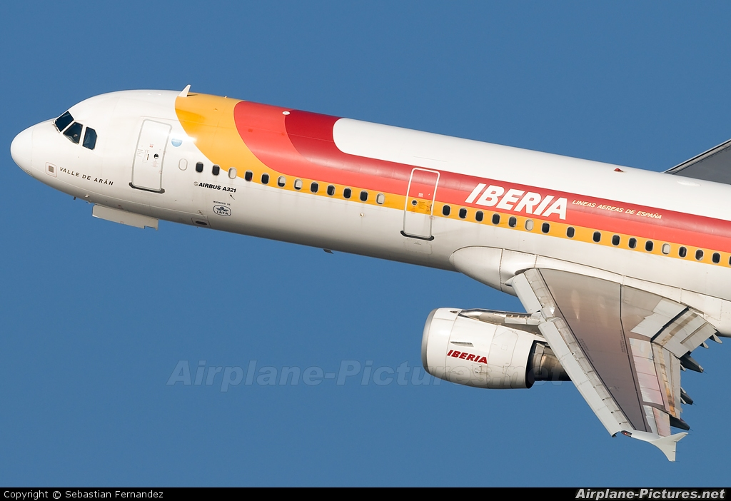 Iberia EC-IXD aircraft at Barcelona - El Prat