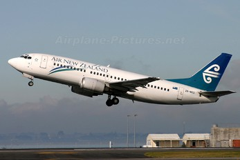 ZK-NGD - Air New Zealand Boeing 737-300