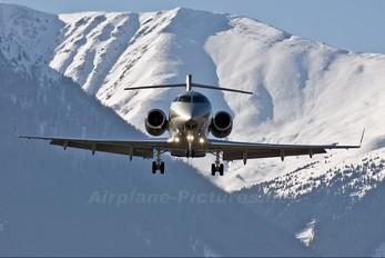 OE-HII - Amira Air Bombardier BD-100 Challenger 300 series