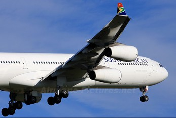 ZS-SXA - South African Airways Airbus A340-300