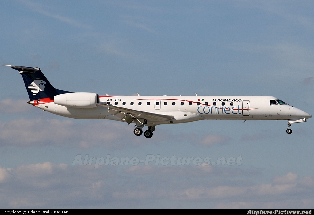 Aeromexico Connect XA-RLI aircraft at Miami Intl