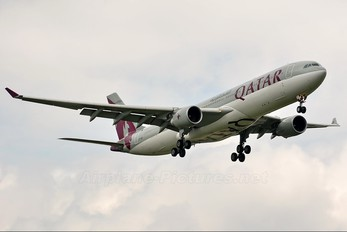 A7-AEG - Qatar Airways Airbus A330-300