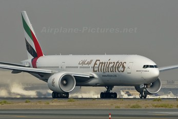 A6-EMI - Emirates Airlines Boeing 777-200
