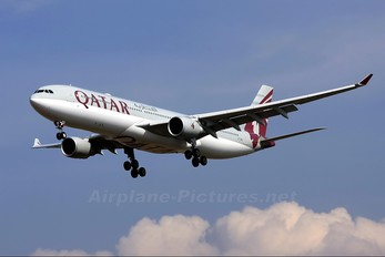 A7-AEG - Qatar Airways Airbus A330-300