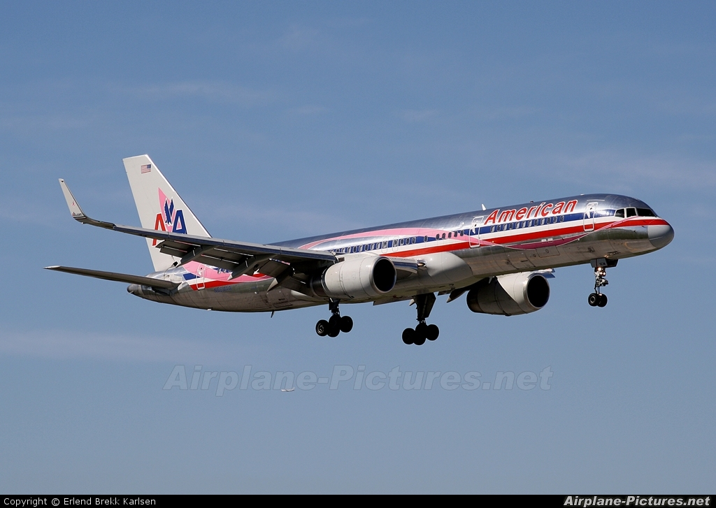 American Airlines N664AA aircraft at Miami Intl