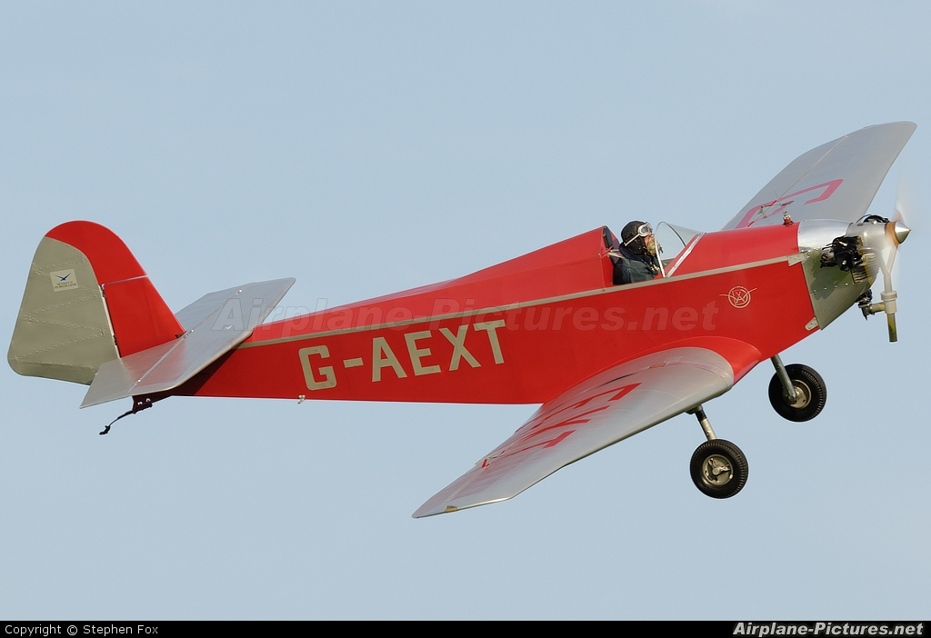 Private G-AEXT aircraft at Old Warden
