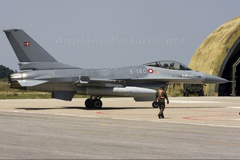 E-180 - Denmark - Air Force General Dynamics F-16A Fighting Falcon