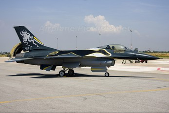 MM7251 - Italy - Air Force General Dynamics F-16A Fighting Falcon