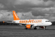 G-EZDT - easyJet Airbus A319 aircraft