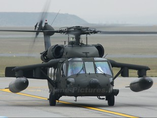 87-24588 - USA - Army Sikorsky UH-60A Black Hawk