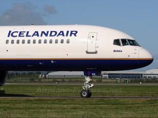 TF-FIK - Icelandair Boeing 757-200