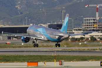 EC-ICS - Clickair Airbus A320