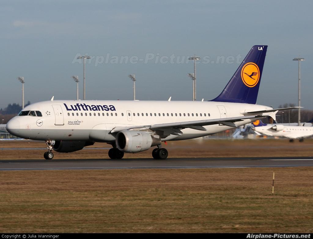 Lufthansa D-AILA aircraft at Munich