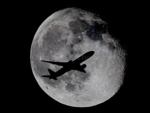 - - Unknown Boeing 777-300ER