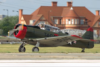 G-BGHU - Private North American Harvard/Texan (AT-6, 16, SNJ series)