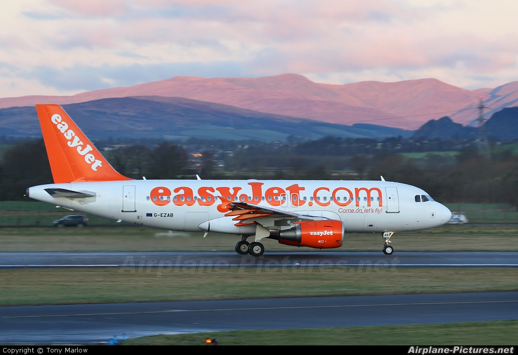 easyJet G-EZAB aircraft at Glasgow