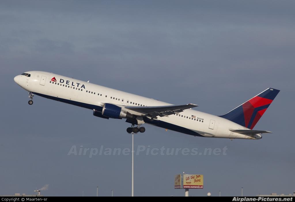 Delta Air Lines N1201P aircraft at Amsterdam - Schiphol