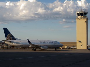 N14604 - Continental Airlines Boeing 737-500