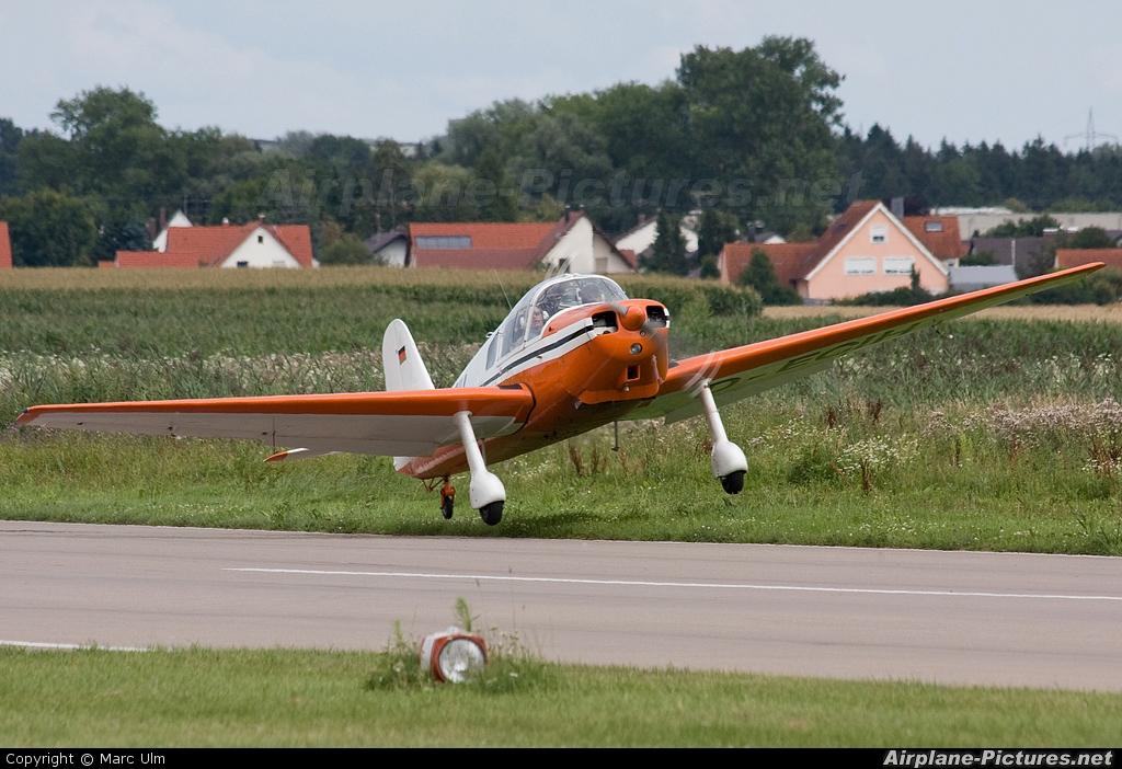 Private D-ECIH aircraft at Donauwörth - Genderkingen