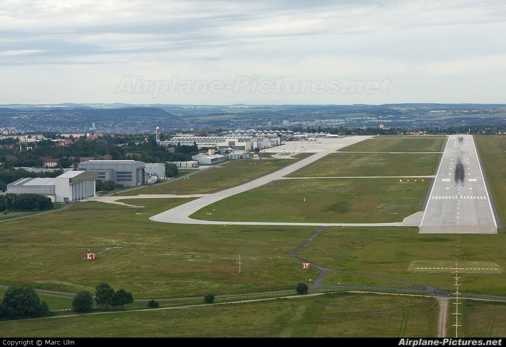 - Airport Overview - aircraft at Dresden