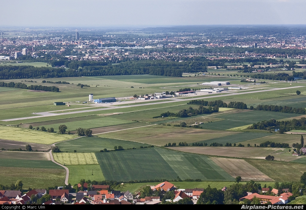- Airport Overview - aircraft at Augsburg