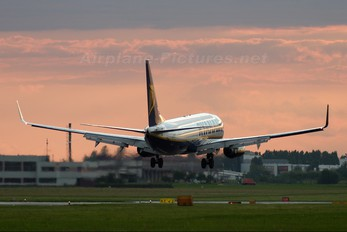 EI-DCB - Ryanair Boeing 737-800