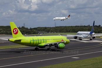 VP-BTU - S7 Airlines Airbus A319