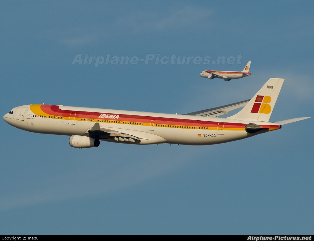 Iberia EC-HDQ aircraft at Madrid - Barajas