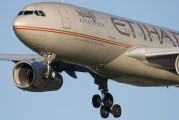 A6-EYS - Etihad Airways Airbus A330-200 aircraft