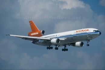 - - Viasa McDonnell Douglas DC-10