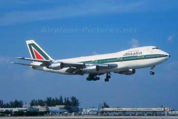 I-DEMS - Alitalia Boeing 747-200