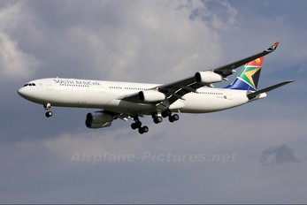 ZS-SXC - South African Airways Airbus A340-300
