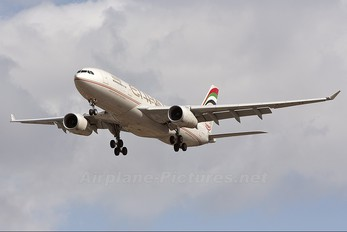 A6-EYP - Etihad Airways Airbus A330-200