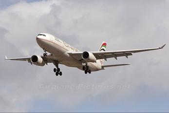 A6-EYP - Etihad Airways Airbus A330-200