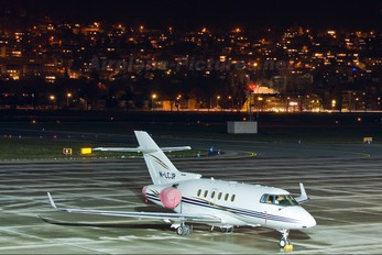 M-LCJP - Private Hawker Beechcraft 900XP