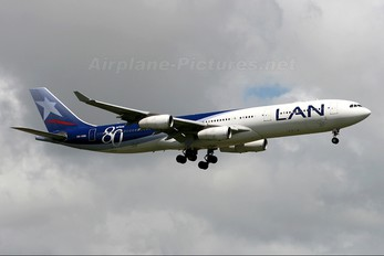 CC-CQG - LAN Airlines Airbus A340-300