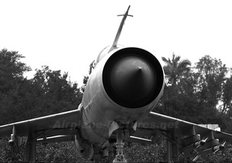 5127 - Vietnam - Air Force Mikoyan-Gurevich MiG-21MF