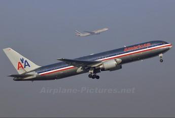 N3965 - American Airlines Boeing 767-300ER