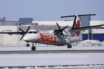C-GHTA - Air Canada Jazz de Havilland Canada DHC-8-300Q Dash 8