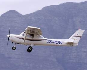 ZS-POW - Private Cessna 152