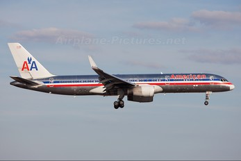 N192AN - American Airlines Boeing 757-200
