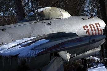 306 - Poland - Air Force PZL Lim-2