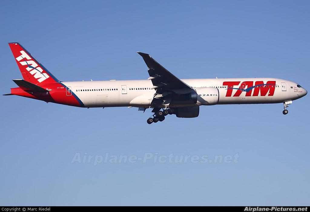 TAM PT-MUB aircraft at Frankfurt